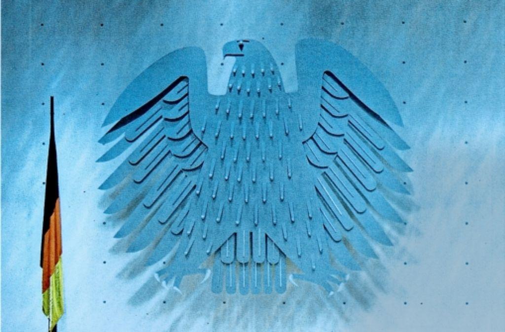 Der Architekt hat nicht nur den Adler, sondern auch Farbe in den Plenarsaal des Deutschen Bundestags in Bonn gebracht. Foto: Horst Rudel
