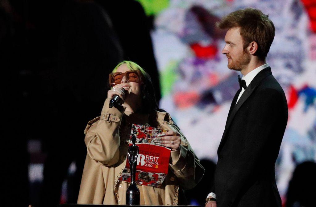 US-Sängerin Billie Eilish mit ihrem Bruder und Co-Songschreiber Finneas Foto: AFP/Adrian Dennis