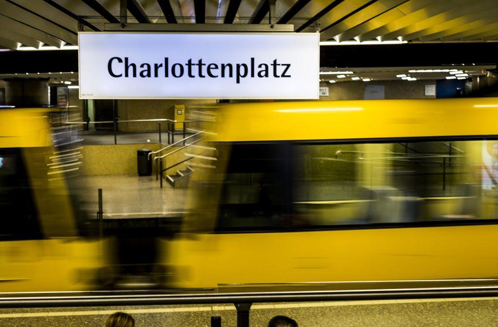Die Graffitisprayer sollen eine Fassade der Stadtbahnhaltestelle Charlottenplatz besprüht haben. (Symbolbild) Foto: Lichtgut/Max Kovalenko