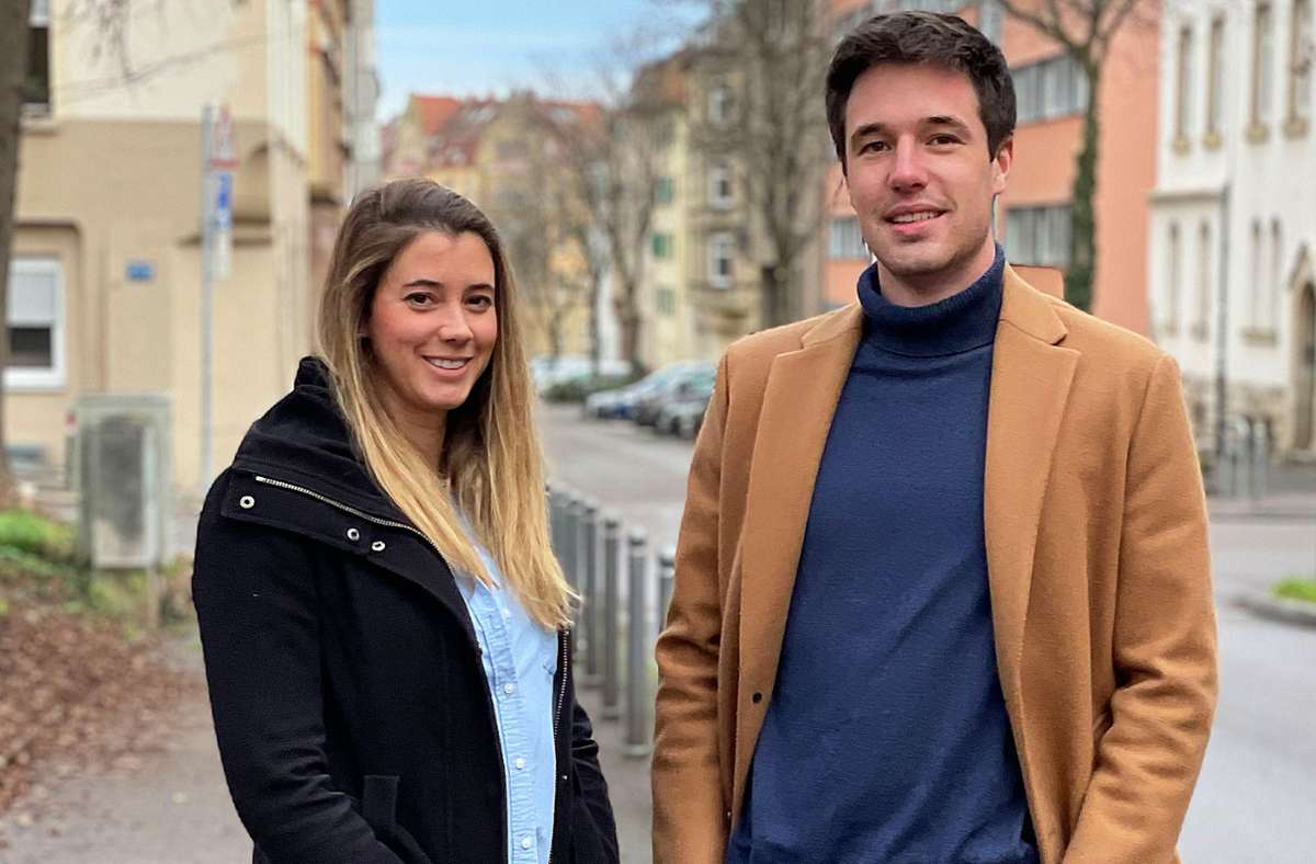 Katja Schlenker (28) und Max Genth (21) sind Halbgeschwister und beide  derzeit ohne Partner oder Partnerin. Foto: privat/David Romanowski