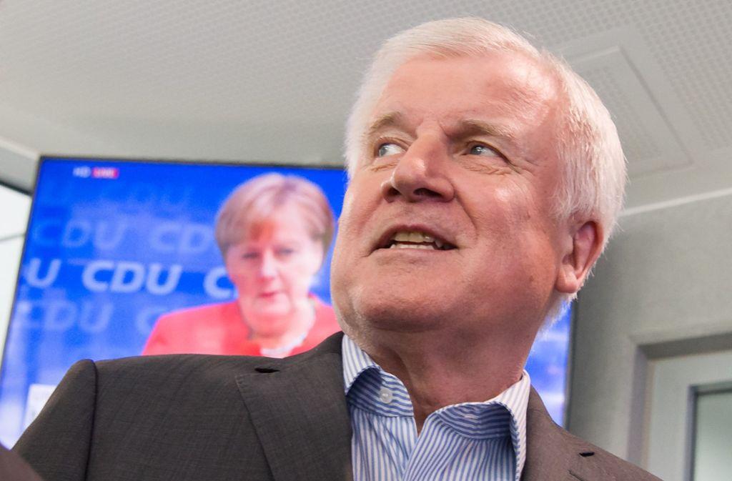 Showdown – (fast) zeitgleich in München und Berlin: Horst Seehofer und Angela Merkel Foto: dpa