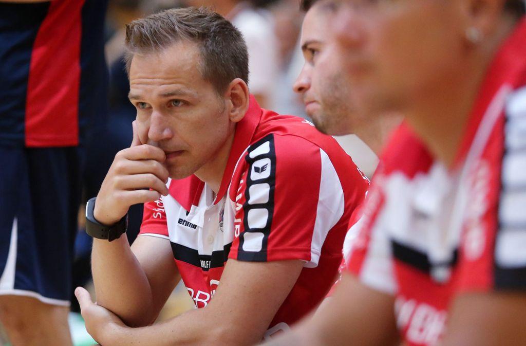 Bietigheims Trainer Ralf Bader: Herkulesaufgabe mit der SG BBM. Foto: Baumann