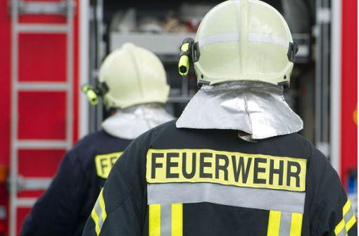 Glut aus Shisha-Pfeife setzt Böschung in Brand