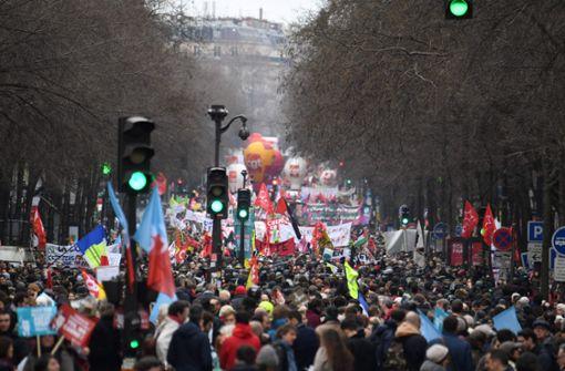 Massenproteste in Frankreich gehen weiter