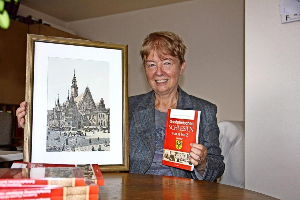 Die Stadt Breslau (hier ein historischer Stich vom Rathaus) hat es  der Buchautorin Suzanna Wycisk-Müller besonders angetan Foto: Bernd Zeyer