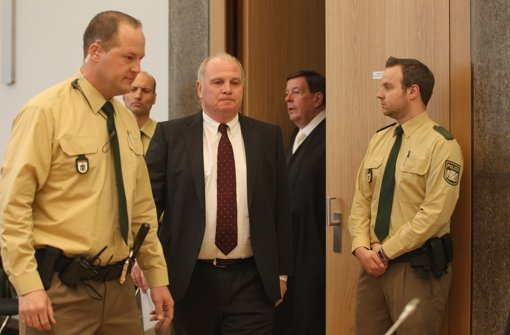 Wann muss Uli Hoeneß in Haft?