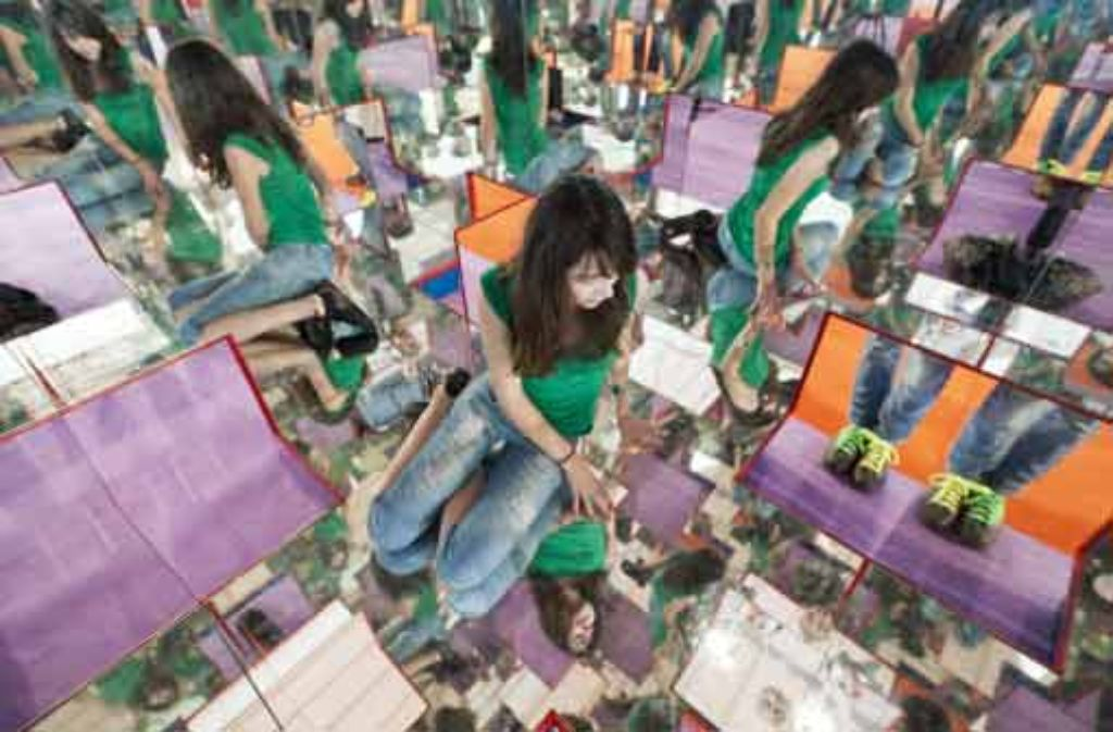 Jugendliche sollen auf der Messe mit Forschung und Wissenschaft vertraut gemacht werden.  Foto: dapd