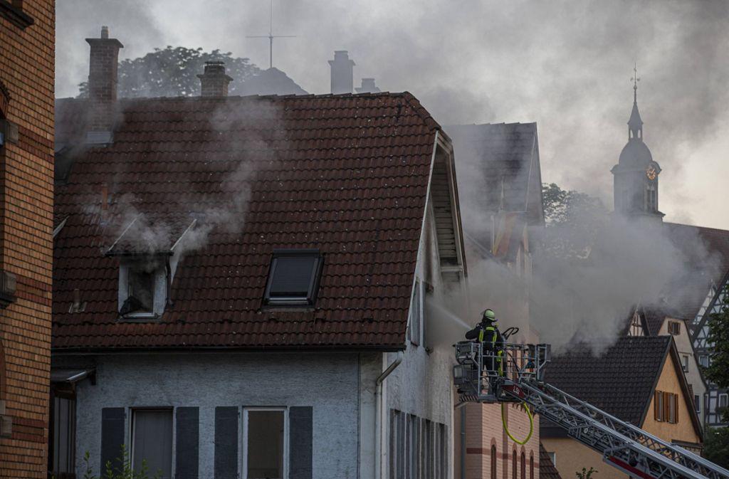 Die Küche eines Wohnhauses in Marbach am Neckar brennt. Foto: 7aktuell.de
