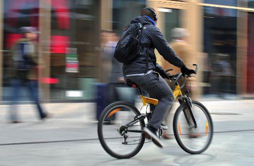 Radfahrer schwer gestürzt