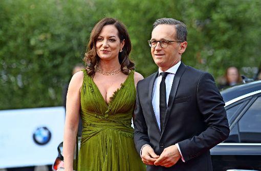 Ein Paar, das Blicke auf sich zieht: Natalia Wörner und Heiko Maas. Foto: dpa