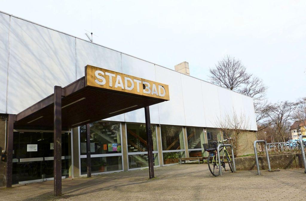 Nach Bad Cannstatt stimmten nun auch die Bezirksbeiräte Münster und Mühlhausen für den Erhalt des Stadtbads. Foto: Uli Nagel
