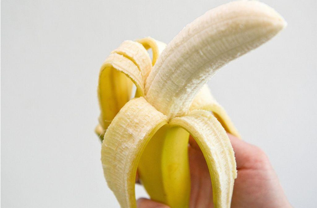 Eine Banane aus dem Supermarkt in Schweden war mit Nadeln versehen worden (Symbolbild). Foto: dpa-tmn
