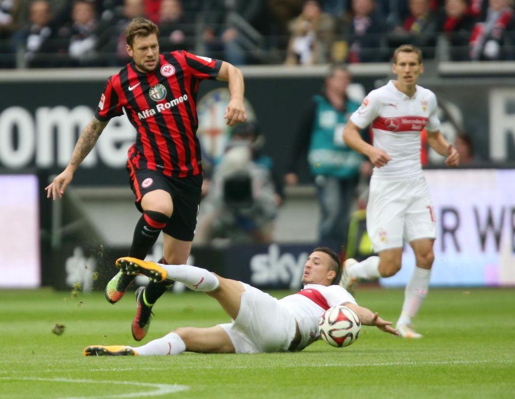 Marco Russ von Eintracht Frankfurt ist schwer erkrankt. Das Netz muntert ihn auf. Foto: Pressefoto Baumann