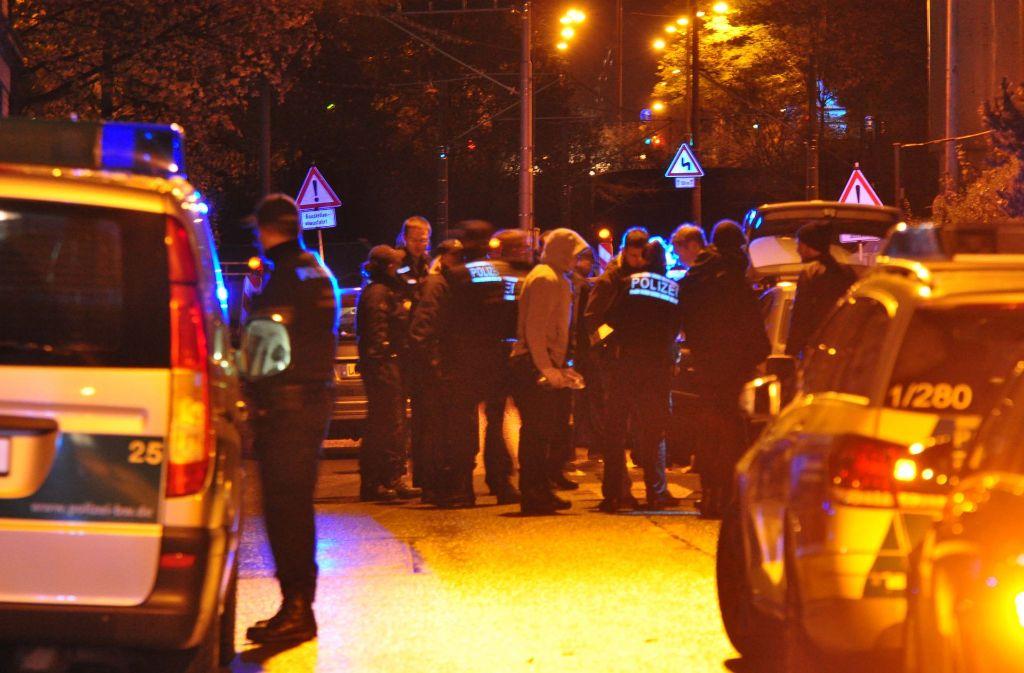 In Stuttgart-Feuerbach kontrollierte am Mittwoch die Polizei. Foto: Andreas Rosar Fotoagentur-Stuttgart