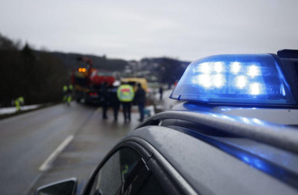 Bei einem Unfall auf der A81 bei Ilsfeld ist ein 64-Jähriger schwer verletzt worden. (Symbolfoto) Foto: 7aktuell.de