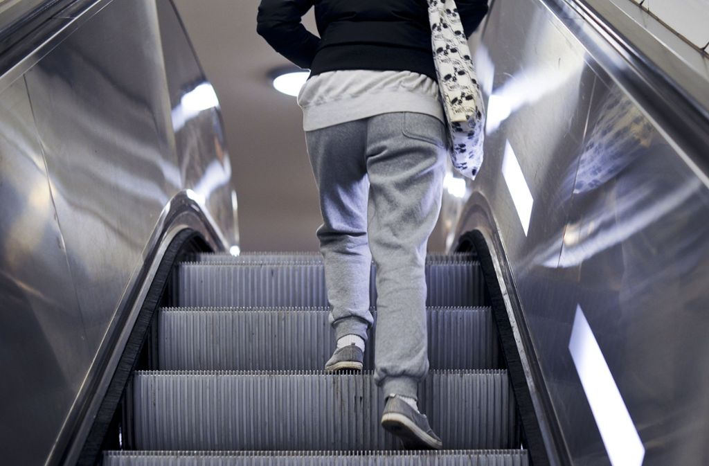 Eine stehende Rolltreppe kann ein seltsames Gefühl auslösen. Foto: dpa/Ole Spata