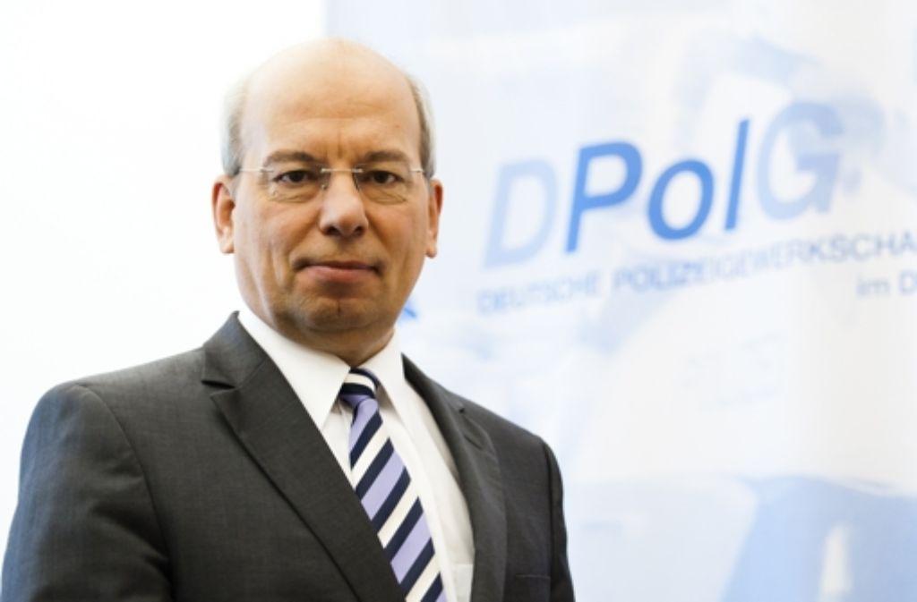 Polizeigewerkschaftschef Rainer Wendt warnt vor immer neuen Absagen großer Kundgebungen nach Terrorwarnungen – dies würde die Gesellschaft verändern. Foto: dapd