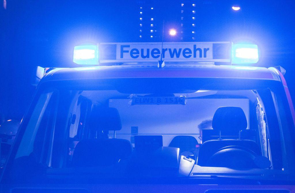 Die Feuerwehr musste in Tübingen einen Kneipengast befreien. (Symbolbild) Foto: dpa