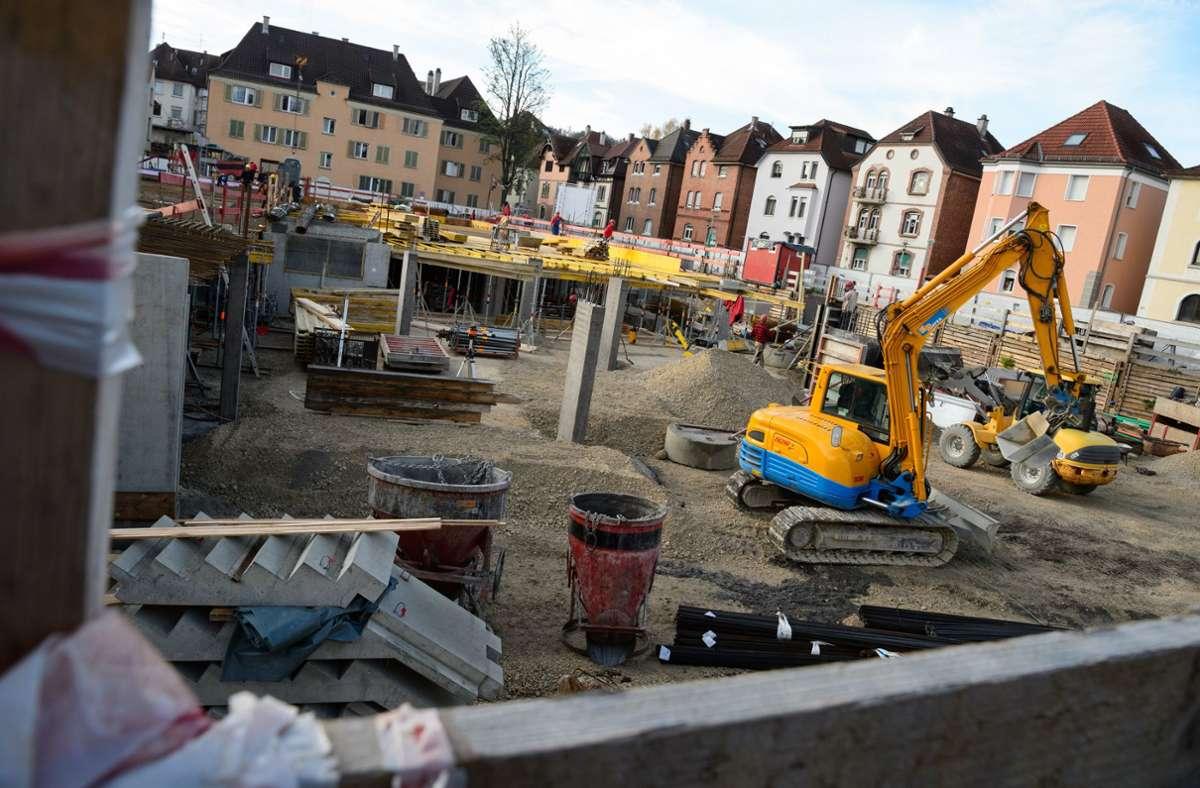 Eine Baustelle in Esslingen (Archivbild) Foto: dpa/Sina Schuldt