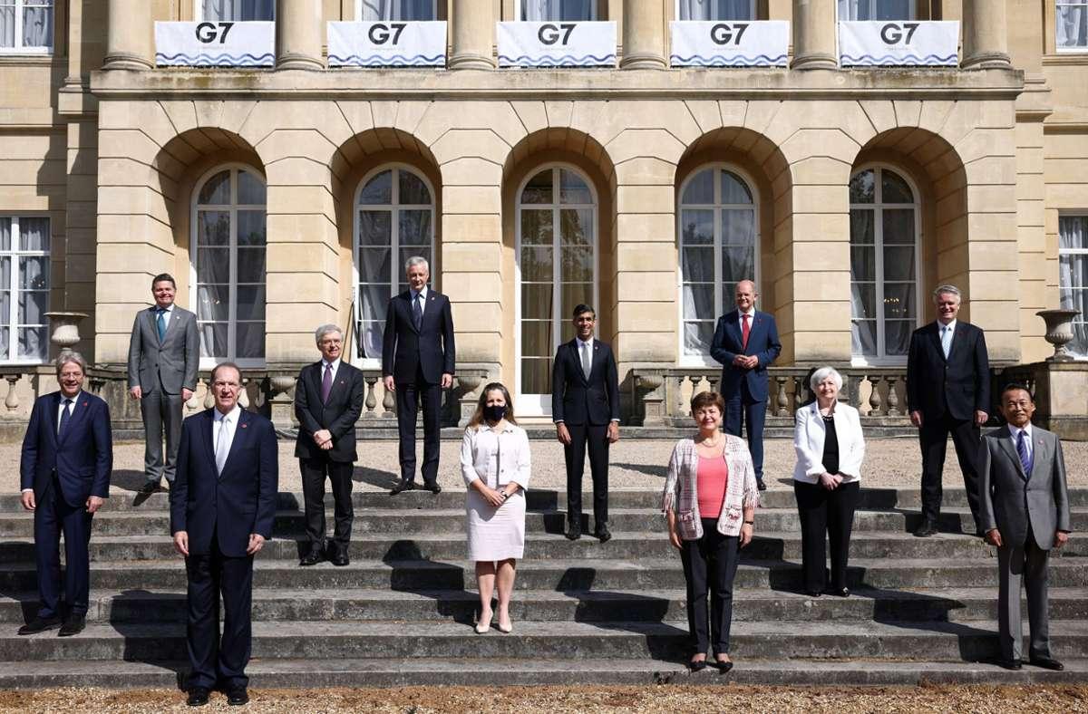 Die Finanzminister der G7 – die Flucht in Steueroasen soll erschwert werden. Foto: dpa/Henry Nicholls