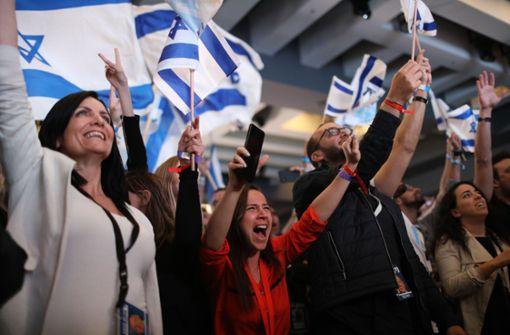 Netanjahu und Gantz beanspruchen beide Wahlsieg