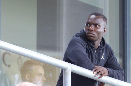 VfB Stuttgart verpflichtet Chadrac Akolo