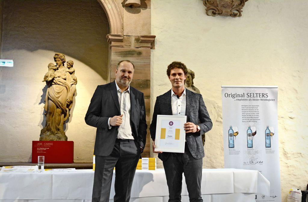 Gerhard Eichelmann (links) und Christoph Klopfer bei der Preisverleihung  im Heidelberger Schloss Foto: /Jutta Eichelmann