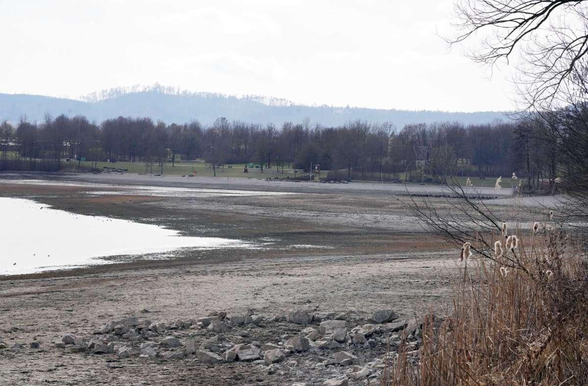 Die 23-Jährige blieb im Schlamm des Breitenauer Sees stecken. (Archivbild) Foto: Andreas Rosar/Fotoagentur-Stuttgart