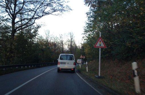 22.3: Lkw blockiert Karl-Kloß-Straße