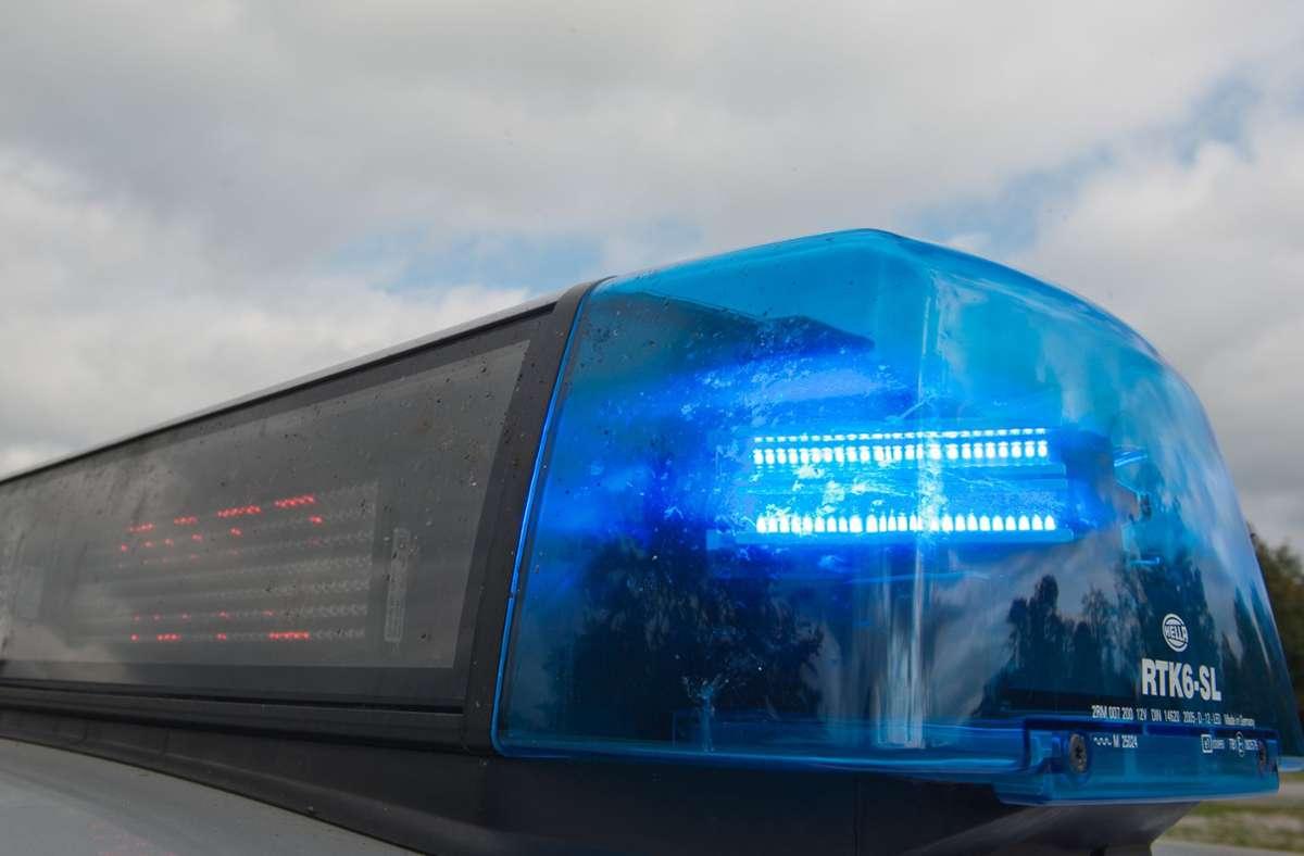 Die Polizei sucht Zeugen. (Symbolbild) Foto: picture alliance / dpa/Armin Weigel