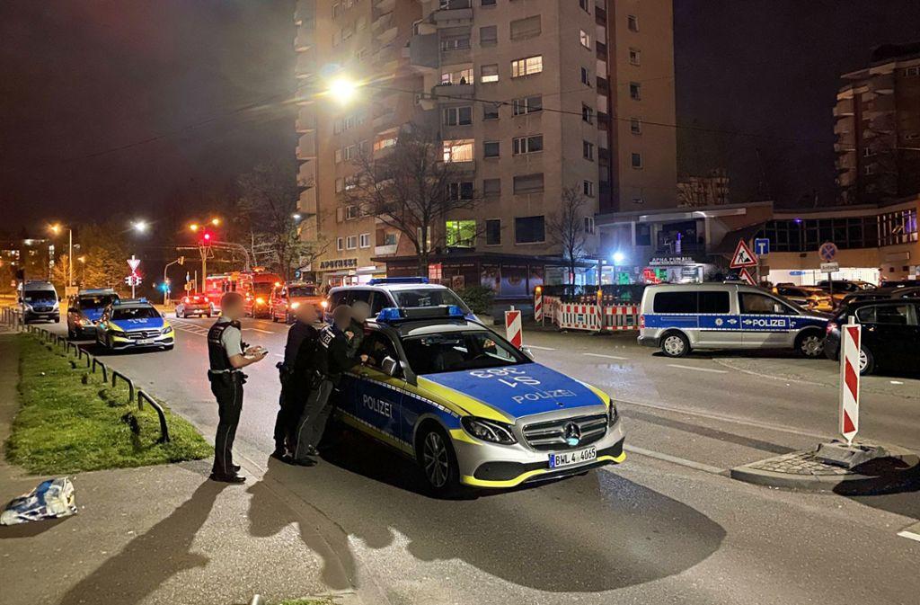 In der Nacht zum Sonntag startet die Polizei eine Razzia in Stuttgart-Rot. Foto: 7aktuell.de//Hald