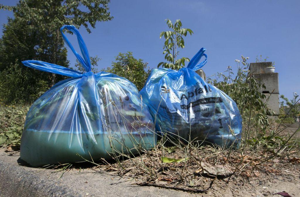 Der  ungeliebte Biobeutel soll die letzte Chance bekommen. Foto: Horst Rudel