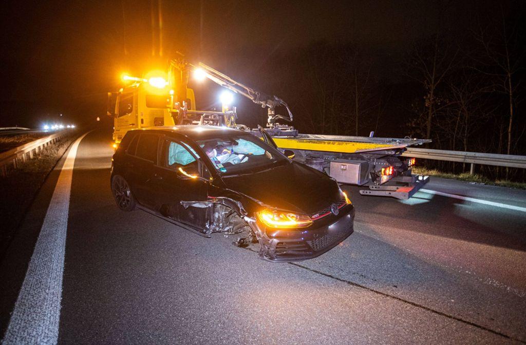 Der VW erfasste das Pannenfahrzeug auf der B14 bei Waiblingen. Foto: 7aktuell.de/Simon Adomat