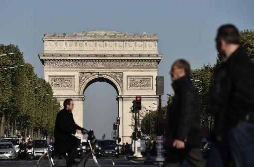 IS bekennt sich zu Attacke auf den Champs-Élysées