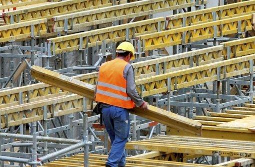 Ein Bauarbeiter in Stuttgart. Foto: dpa