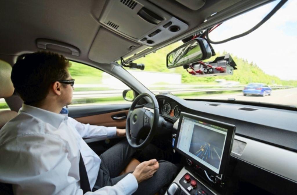 Bosch nutzt erste Tom-Tom-Karten für Fahrten mit seinen automatisiert fahrenden Testwagen  auf der Autobahn 81. Foto: dpa