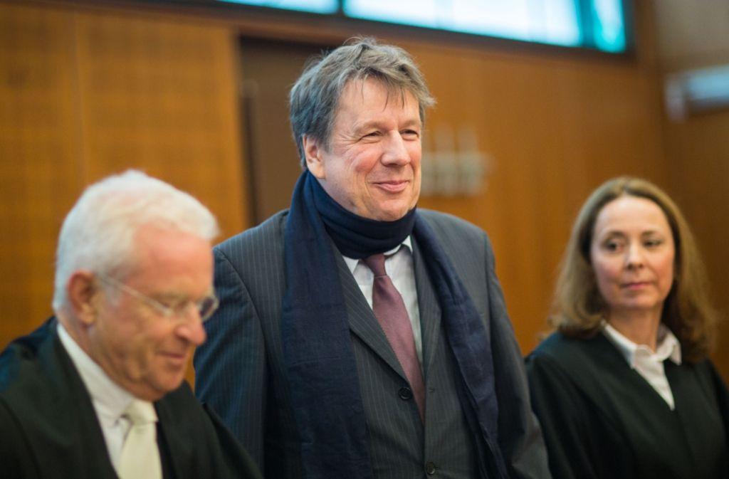 Zufriedene Gesichter auf der Klägerseite: Jörg Kachelmann bekommt Geld von seiner Ex-Geliebten. Foto: dpa