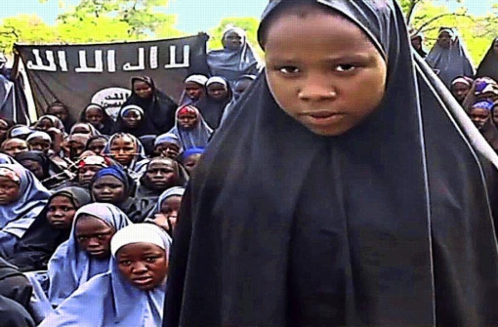 Die Sekte Boko Haram hat diese Mädchen aus einer Schule entführt. Foto: AFP
