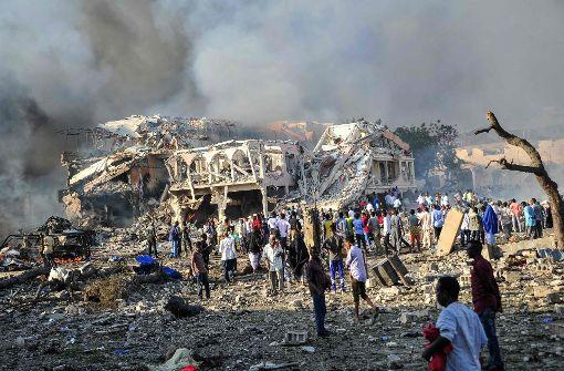 20 Menschen durch Lastwagenbombe getötet