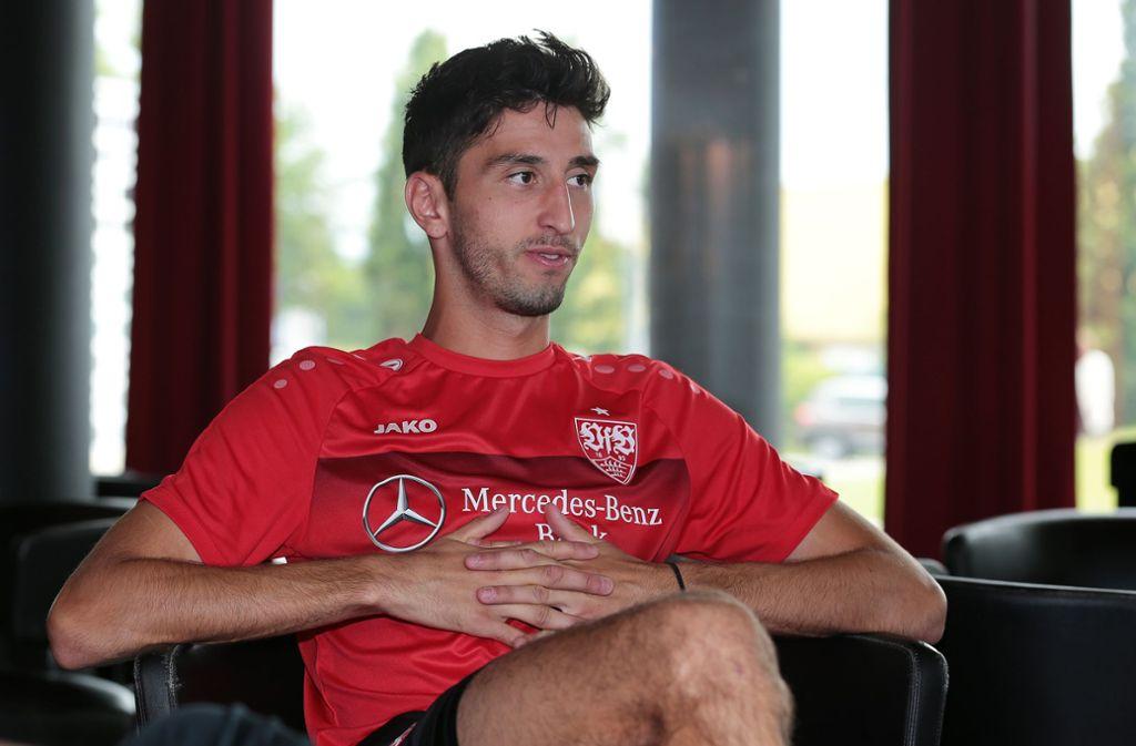 Atakan Karazor fühlt sich wohl beim VfB Stuttgart. Foto: Pressefoto Baumann