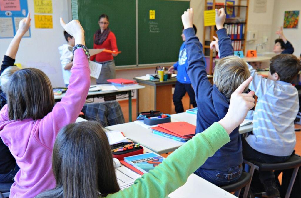 Baden-württembergische Schüler haben bei den Vergleichsarbeiten vera nicht gut abgeschnitten.  Foto: dpa