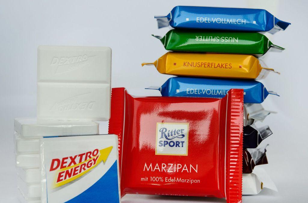 Schokolade von Ritter Sport und Traubenzucker von Dextro Energy. Beide Marken ließen sich die quadratische Form ihres Produktes als dreidimensionale Marke schützen. (Archivfoto) Foto: dpa