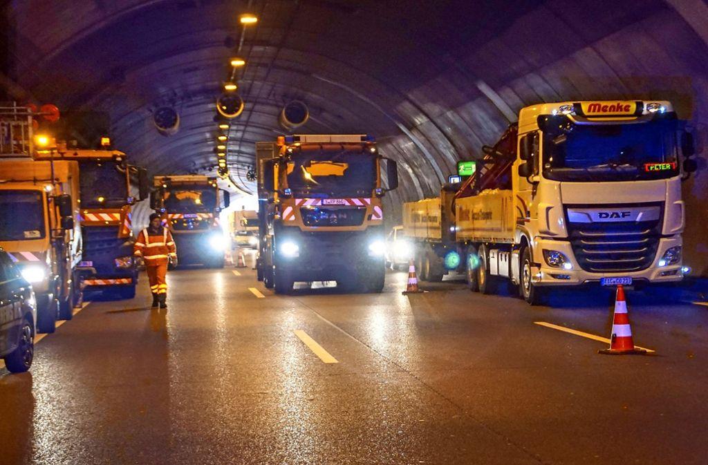 Die Strahlventilatoren an der Decke werden bei der Tunnellüftung eingesetzt, wenn die  Kohlendioxidkonzentration hoch, oder  die Sicht getrübt ist. Foto: //SDMG