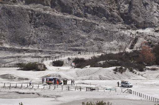 Eltern und Sohn sterben bei Sturz in den Krater