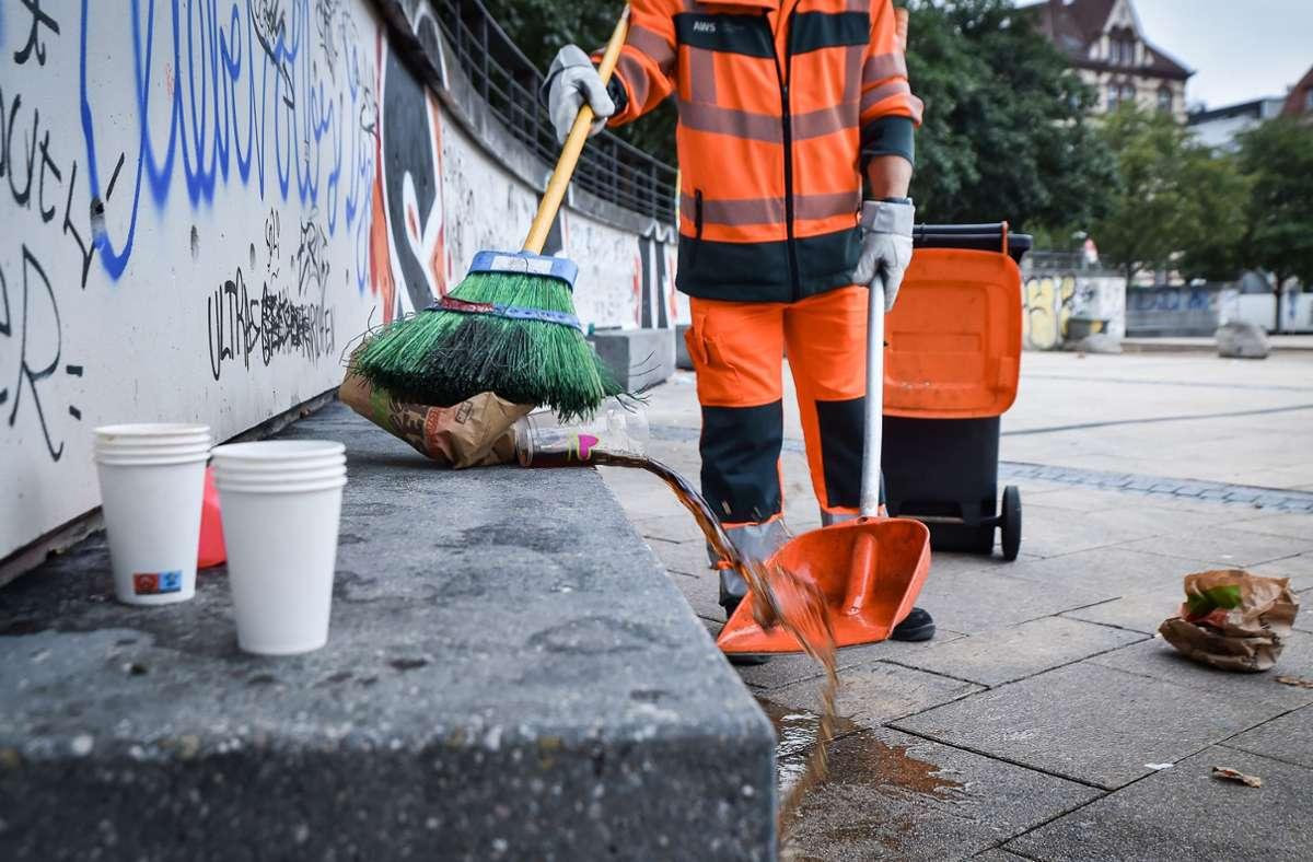 Den Rest der Partynächte müssen die Reinigungswarte der AWS wegkehren. Foto: Lichtgut/Ferdinando Iannone