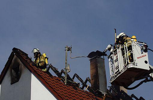 Dachstuhlbrand fordert hohen Schaden