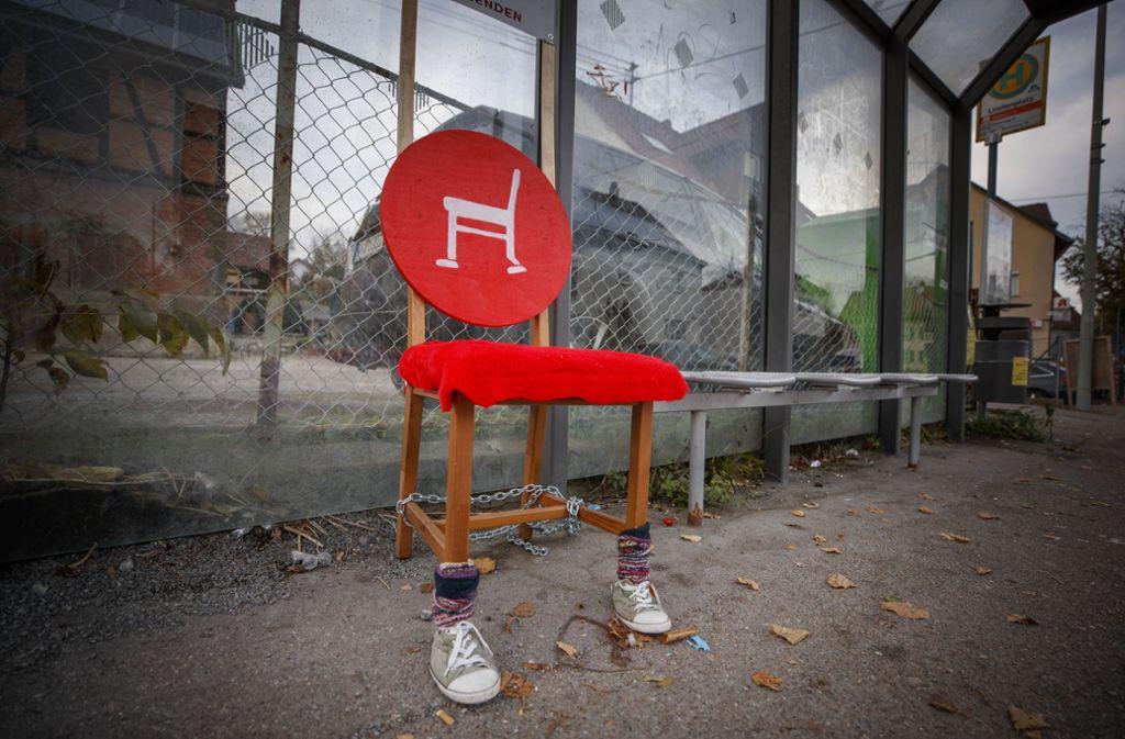 Der erste Mitfahrstuhl an einer  Bushaltestelle in Unterweissach Foto: Gottfried Stoppel