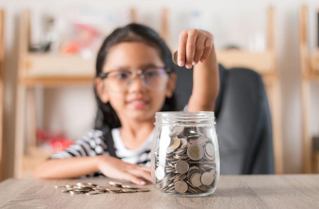 Wie viel Taschengeld ist für Kinder angemessen? Foto: Kaikoro/Shutterstock