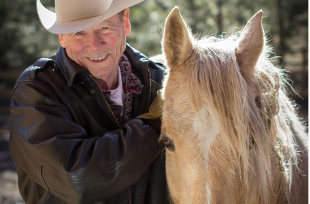 Der Romanheld Sheriff Hackberry Holland liebt Pferde – seinem geistigen Vater  James Lee Burke geht es ganz offensichtlich genauso. Foto: Parker McDavid