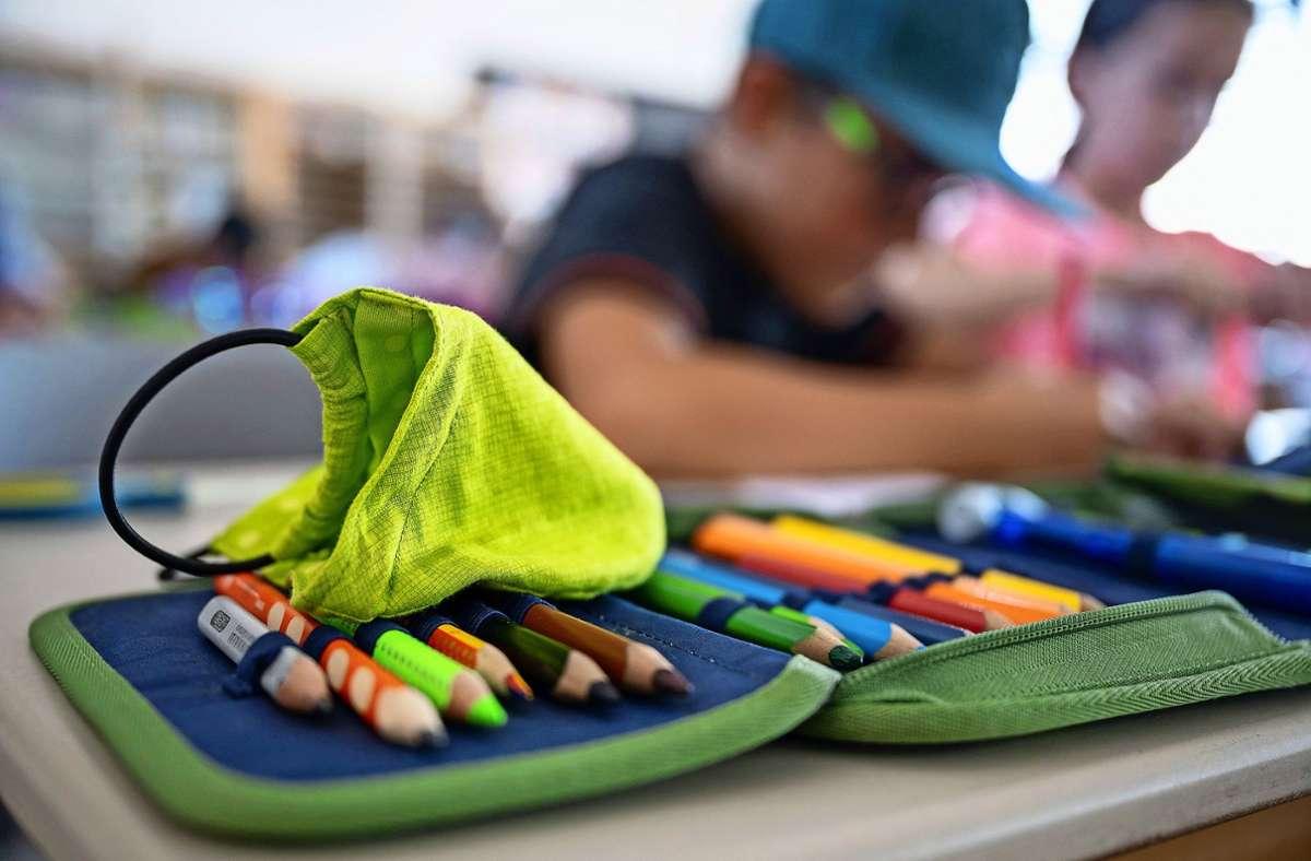 Nicht die ganze Klasse muss in Quarantäne, wenn sich ein Mitschüler angesteckt hat. Foto: dpa/Sebastian Gollnow
